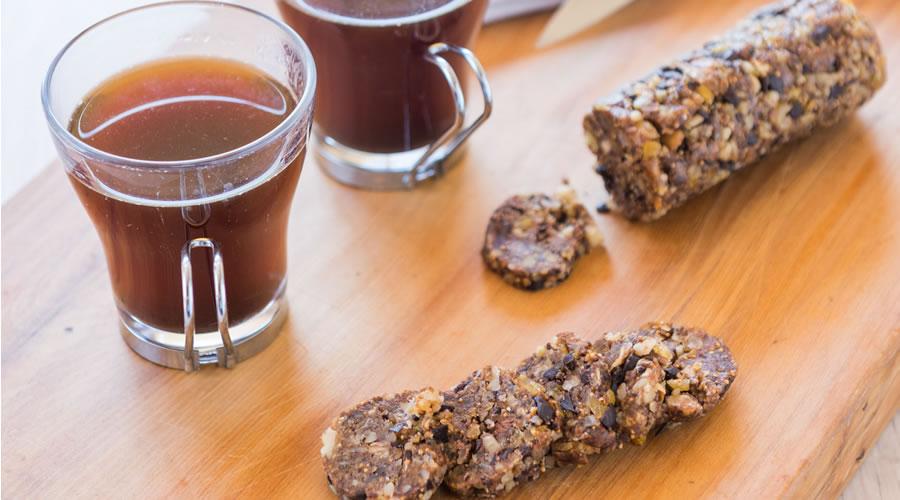 Walnut cinnamon and fig snack log